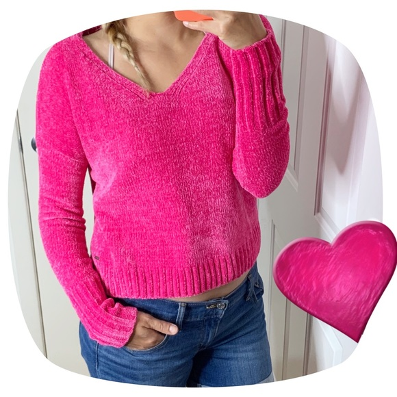 Hollister Sweaters - NWT Beautiful Hollister Pink Cozy Cropped Sweater